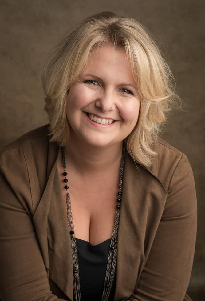 Julie Arcoulin, auteure de plusieurs livres